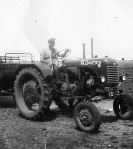 Der erste Traktor in der Baumschule Hemmelmeyer
